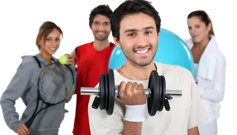 Die Berufsausbildung zum Sport- und Fitnesskaufmann findet meistens nach dem dualen System statt. Das bedeutet, dass die Auszubildenden den größten Teil ihrer Zeit in einem Betrieb verbringen, der in der entsprechenden Branche tätig ist. (#02)