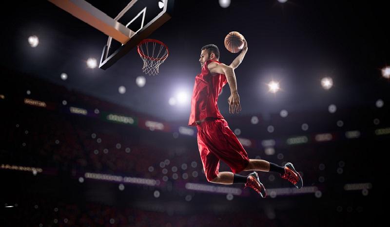 Basketball-Profis sind in den USA Superstars und verdienen Millionengehälter. (#2)