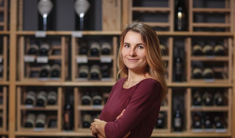 Auch immer mehr Frauen üben den Beruf eines Weinkellners aus. (#4)