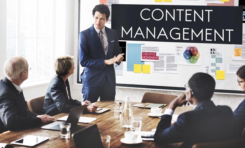Durch Content Management Systeme wie WordPress und ein kostenloses Design-Template entsteht die Homepage geht es auch ohne. Für individuelle Anpassungen muss man sich dann aber jemanden ins Boot holen, der Ahnung davon hat. (#01)