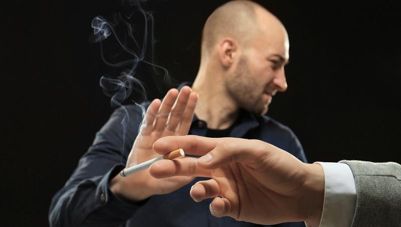 Die Entscheidung dafür, mit dem Rauchen aufzuhören, hat meist einen Grund. Der eine Raucher möchte sparen, ein anderer Raucher bemerkt gesundheitliche Probleme oder möchte einfach etwas für seinen Körper tun.