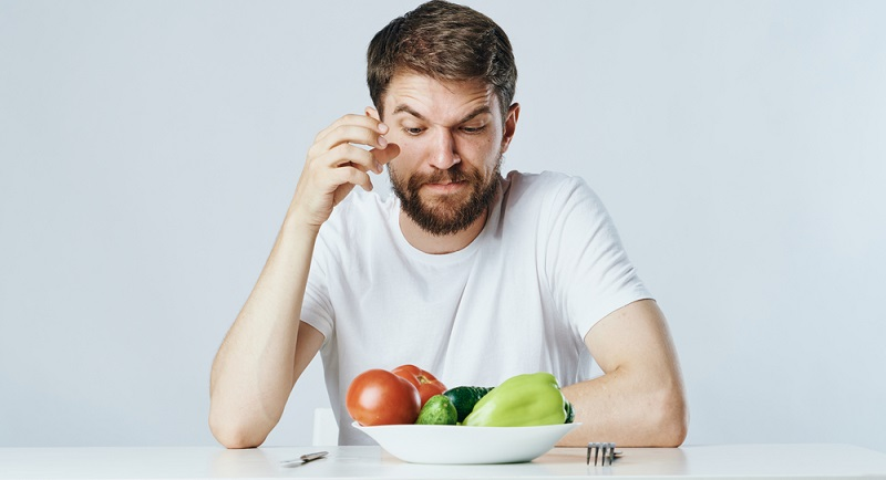 Eine gesunde und ausgewogene Ernährung kann über den Tag verteilt auch genutzt werden, um beim Rauchen aufhören kleine Problemzeiten zu überbrücken.