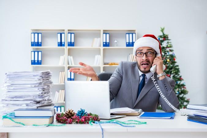 Gehen Sie die Planung der lustigen Weihnachtsfeier unbedingt rechtzeitig an. Eine Reservierung für Restaurants oder sehr gefragte Räume, sollte schon weit vor Dezember geschehen. (#1)