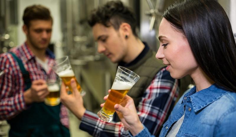13 Jahre lang könnte man jeden Tag ein anderes deutsches Bier genießen, denn es gibt hierzulande mehr als 5.000 unterschiedliche Biere, in denen sich die Kreativität der Braumeister widerspiegelt.