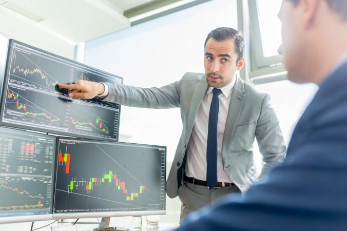 Hat man sich für den Job des Investmentbankers entschieden, warten bei einem Börsengang vielfältige Herausforderungen: von der Planung, über die Relisierung bis hin zu Teammanagement ist alles möglich. (#3)