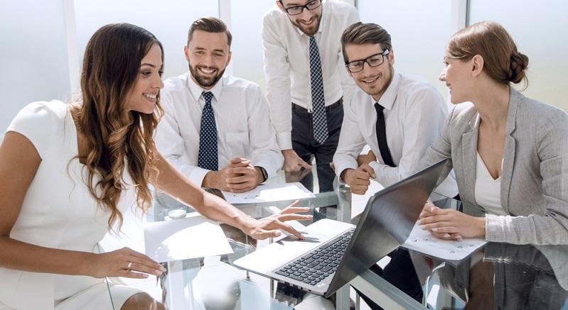 Oft ist es wichtig, Schätzungen durch innerbetriebliche Experten und Führungskräfte zu Rate zu ziehen. (#03)