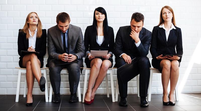 Keiner weiß, wie lange die Situation am Arbeitsmarkt durch den Fachkräftemangel geprägt bleibt. Im Moment müssen Unternehmen mehr um Bewerber kämpfen als umgekehrt.