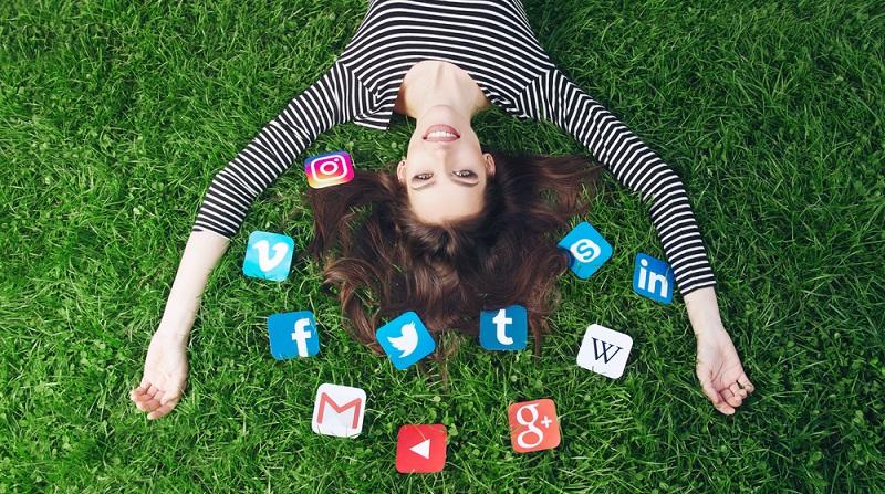 Weiterer Vorteil bei erfolgreichem Social Media Advertising: Die Erhöhung der organischen Reichweite. Wenn Facebook-Nutzer die Werbeanzeigen an Freunde oder Familie weiterleiten, stärkt das deren Bedeutung insgesamt.