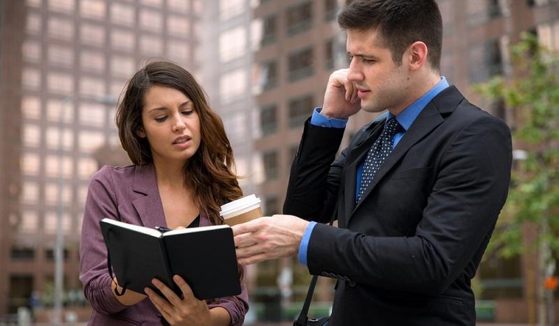Assistent heisst die rechte Hand des Chefs zu sein