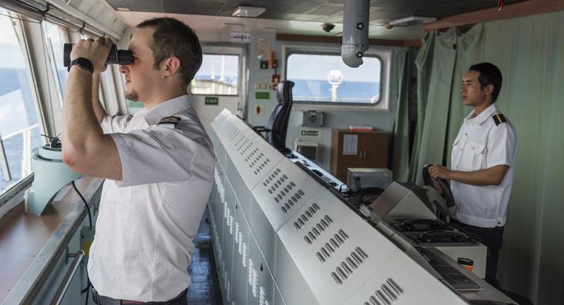 Seeleute sind ein letztes Beispiel für ungewöhnliche Verpflegungspauschalen: Ob eine Pauschale gezahlt wird, hängt davon ab, ob sich das Schiff im Heimathafen befindet, auf hoher See oder in einem ausländischen Hafen liegt.