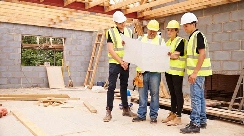 Bauarbeiter müssen harte körperliche Arbeiten verrichten.