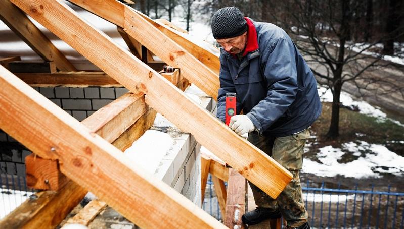 Bei der Bewerbung bei einer Bauunternehmung ist es wichtig darauf zu achten, die eigenen Fähigkeiten in den Vordergrund zu stellen. Bauberufe stellen verschiedene Anforderungen an den Bewerber.