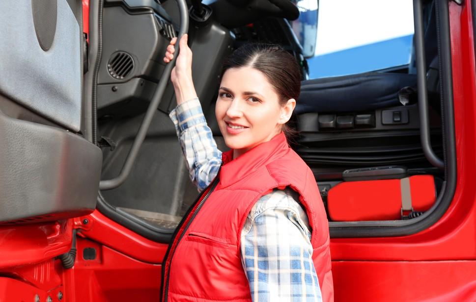 Die Vorschriften bzgl. der Lenk- und Ruhezeiten gelten für Lkw- wie für Busfahrer. Wer sich gesetzeskonform verhalten will, muss die Fachbegriffe kennen. (#1)
