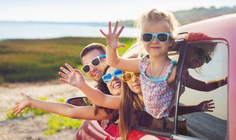 Bei der Berücksichtigung der Urlaubswünsche der Arbeitnehmer erhöhen schulpflichtige Kinder die Aussichten auf eine Bevorzugung. (#3)