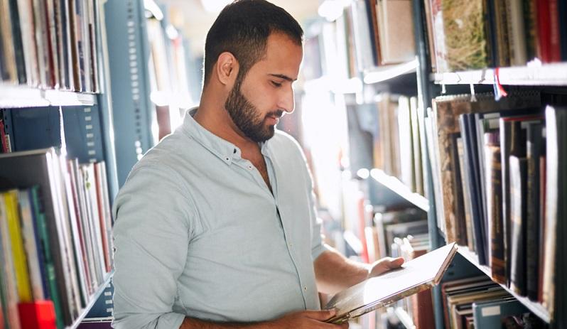 Wer über ausreichende Sprachkenntnisse verfügt, hat einen großen Vorteil gegenüber anderen Bewerbern, denn gerade für Führungskräfte ist es unverzichtbar, problemlos mit den anderen Mitarbeitern, aber auch mit Kunden zu kommunizieren.