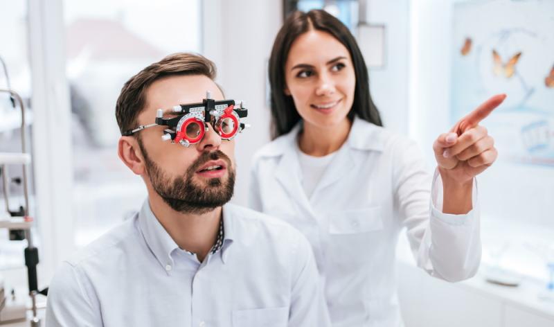 Laut der Erfahrungen mit dem Augenlasern in Frankfurt sollten Risiken und mögliche Folgen gleich im Vorgespräch angesprochen werden.
