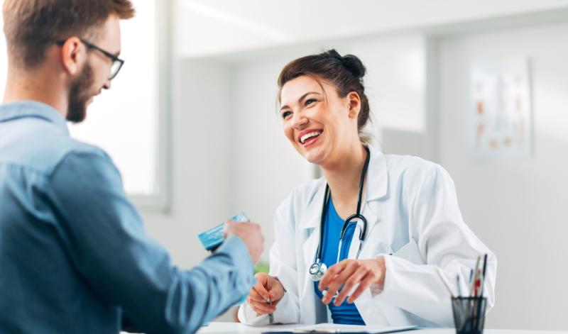 Risiken und mögliche Folgen des Augenlasern müssen von einem Augenarzt im Vorfeld durch ein kostenloses und unverbindliches Gespräch geklärt werden.