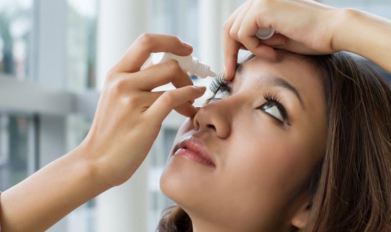 Eines der häufigsten Probleme, über das sich viele Nutzer innerhalb der Foren und Erfahrungsberichte beklagen, sind die trockenen Augen.