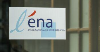 ENA E-Mail: Bewerbung kurz vor der Schließung schicken? (Foto: shutterstock - gallofilm)