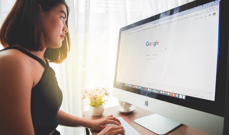 Generell gilt: Wer im Browser oder bei Google ihren Namen eingibt, wird mit einer Fülle von Suchergebnissen belohnt.  ( Foto: Shutterstock-  NiP STUDIO  )