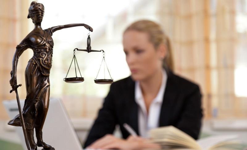 Wenn es partout zu keiner Einigung kommt, beantragen Sie ein Mahnverfahren bei Ihrem zuständigen Amtsgericht. (Fotolizenz -Shutetrstock. Lisa S )