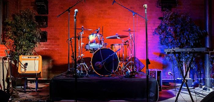 Marshall E-Mail: Da ist Musik drin! ( Foto: Shutterstock-Maxim Blinkov )