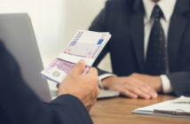Arbeitnehmerdarlehen: Verzinsung 2020 (Foto: Shutterstock - Atstock Productions)