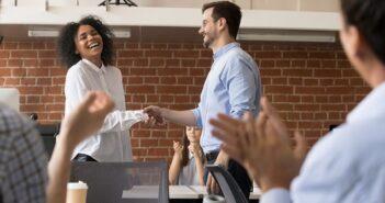 Beförderung: 3 häufige Fehler, die man kennen sollte! ( Foto: Shutterstock-fizkes)