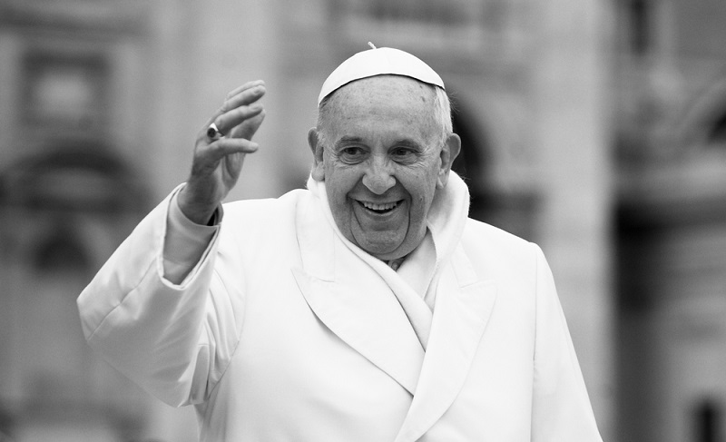 Ab und zu tauchen in den Medien derartige Meldungen auf und es heißt zum Beispiel: Pope Francis uses e-mail! ( Foto: Shutterstock-neneo )