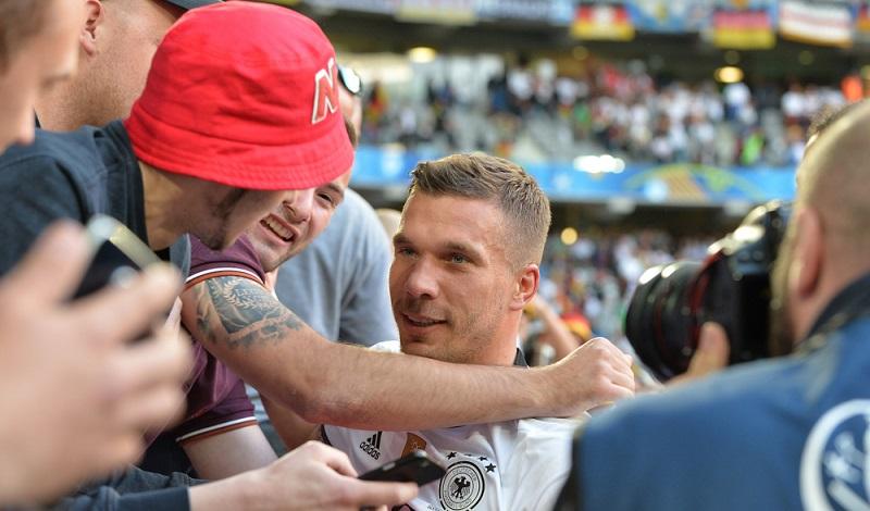 Wer jüngst eine Podolski E-Mail verschickt hat, hatte sicherlich die Frage: Kehrt Lukas zum FC Bayern zurück? ( Foto: Shutterstock- Marcel Paschertz )