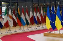 Rechnung EU-Ausland, Drittland, USA: Muster, Pflichtangaben ( Foto: Shutterstock-Alexandros Michailidis )