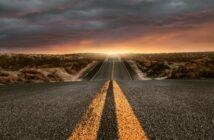 Route 66: E-Mail von unterwegs? (Foto: shutterstock - lassedesignen)