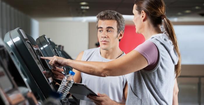 """""""Wie werde ich Fitnesstrainer"""" und andere Fragen. (Foto:shutterstock - Tyler Olson)"""