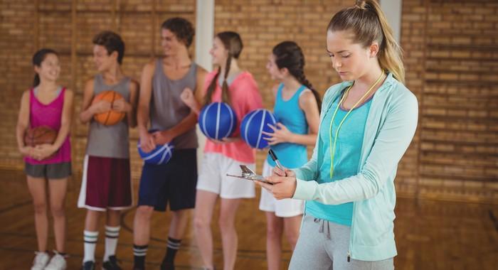 Gehalt und Einkommen des Fitnesstrainers variieren - vor allem je nach der erworbenen Lizenz. (Foto: shutterstock - wavebreakmedia)