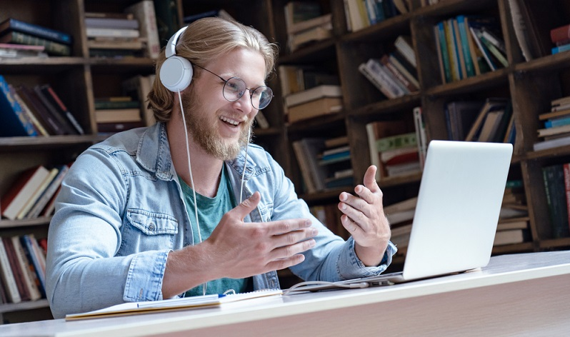 Nicht für jeden Menschen ist ein Fernstudium eine gute Wahl.  ( Foto: Shutterstock- insta_photos )
