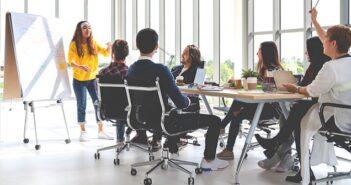 Workshop planen: Die 7P-Checkliste und die 20 Do's and Don'ts für Online- und Präsenz-Workshops und -Meetings ( Foto: Shutterstock-Chaay_Tee)