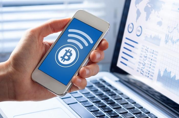 Mit einer Zahlungsoption für Kryptowährungen wird vor allem ein sehr technikaffines Publikum angesprochen - sollte dies zur eigenen Zielgruppe passen, kann sich ein solcher Schritt auszahlen. (Foto: shutterstock - NicoElNino)