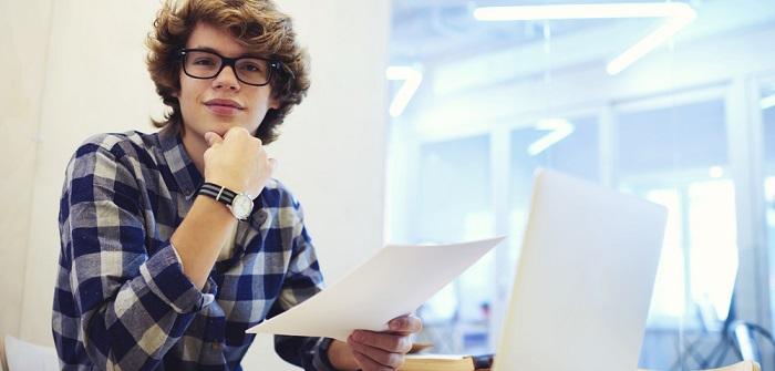 Bewerbung um einen Studienplatz: Ablauf, Fristen, Checklisten, Klage & 8 Voraussetzungen dafür ( Foto: Shutterstock-_GaudiLab )