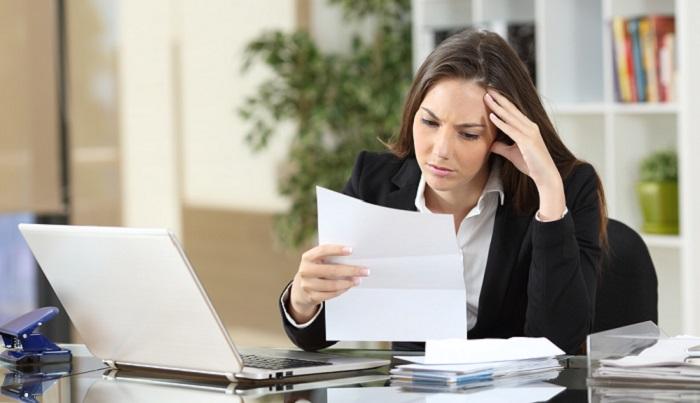 Wer seine selbstständige Tätigkeit beim Finanzamt anmeldet, bekommt bald auch Post vom Gewerbeamt, denn das Finanzamt leitet die Anmeldung automatisch dorthin weiter. ( Foto: Shutterstock-Antonio Guillem)
