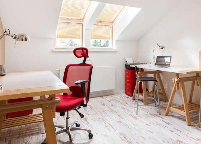 Für einen Zweitwohnsitz genügt auch eine kleinere Dachwohnung. ( Foto: Shutterstock-Photographee.eu )_